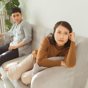 Suami Tidak Menafkahi Selama Pernikahan, Haruskah Rumah Tangga Dipertahankan?