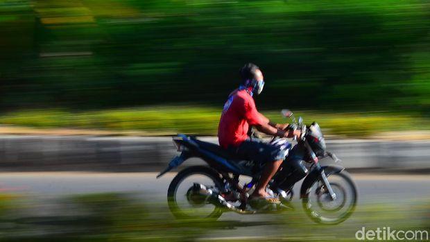 Motor pemakai knalpot racing