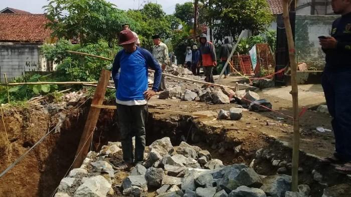 Pekerja Tertimbun Tanah di Sukabumi