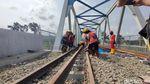 Rel Terpasang, Pembangunan Jalur Kereta Bandara Yogyakarta Dikebut