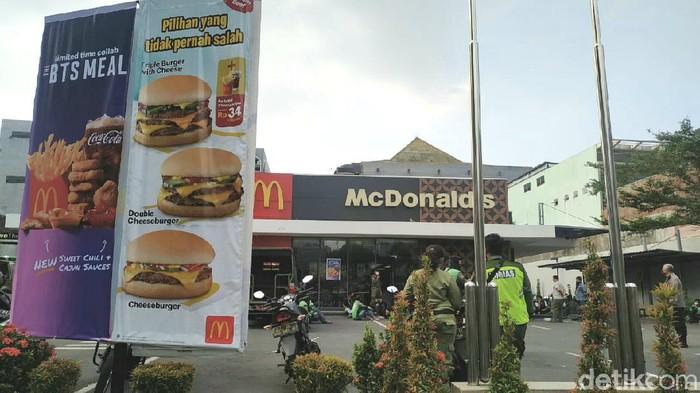 Salah satu gerai McDonalds di Solo, Rabu (9/6/2021).