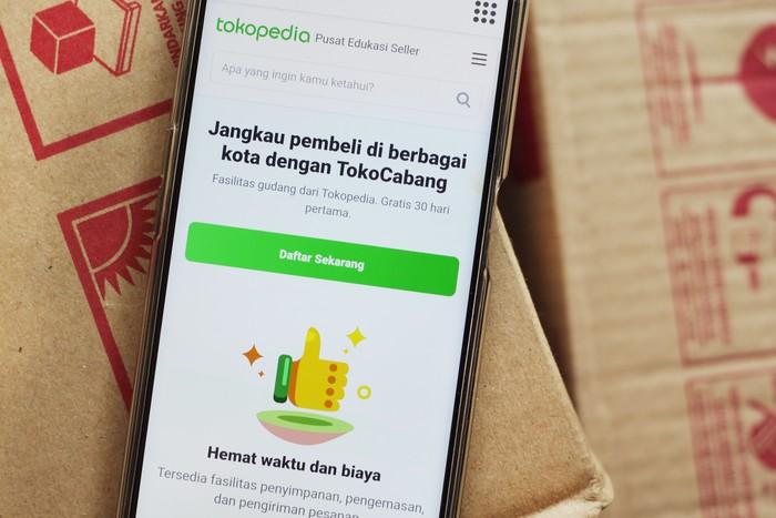TokoCabang Tokopedia bantu pelaku bisnis lokal naikkan jumlah pesanan hingga 3 kali lipat.
