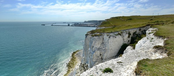 Menurut catatan sejarah, White Cliffs adalah bekas lapangan tembak militer Royal Marines pada tahun 1856.(VisitKent/NationalTrust)