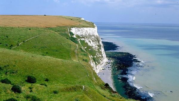 Pantai ikonik ini akan dijual dengan lelang yang dimulai dari 1 pound sterling alias Rp 20 ribuan. (VisitKent/NationalTrust)