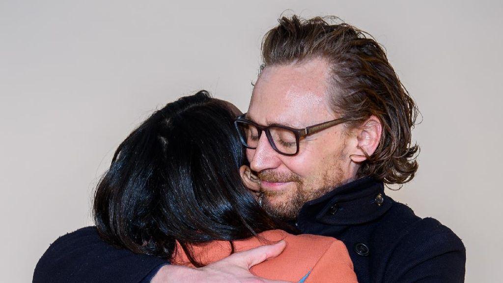 Jarang Terekspos, Inikah Kekasih Tom Loki Hiddleston Setelah Taylor Swift?