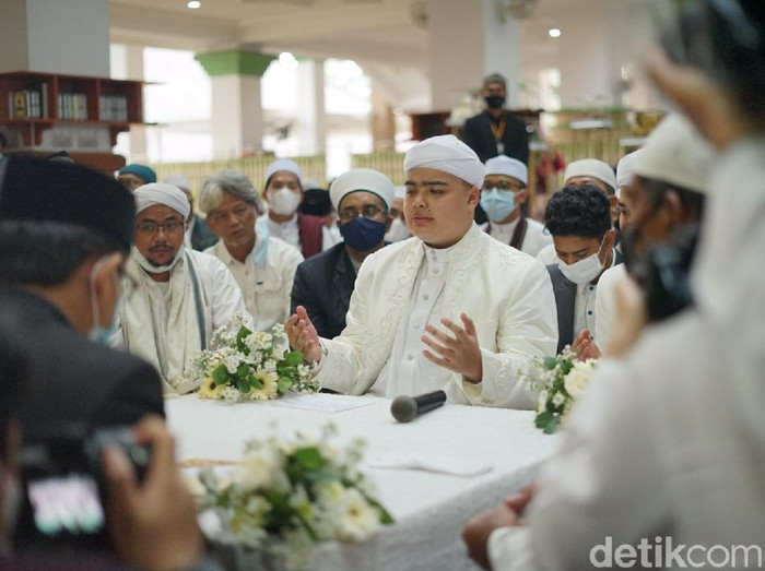 Momen-momen pernikahan Ameer Azzikra dan Nadzira Shafa