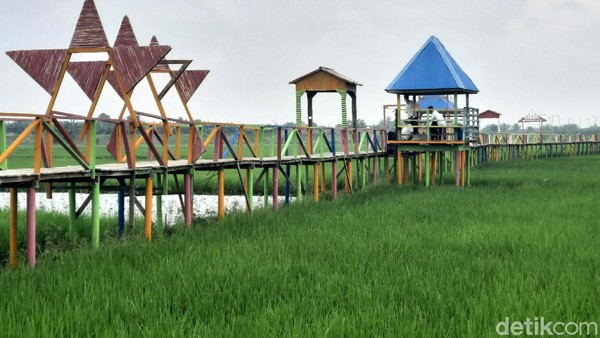 Menteri Pariwisata dan Ekonomi Kreatif (Menparekraf) Sandiaga Uno sempat menyambangi Denai Lama pada Rabu (9/6/2021). Ia mengatakan, desa wisata ini memiliki nilai ekonomi yang tinggi.