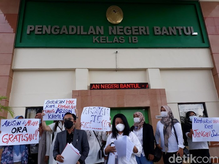 Emak-emak ketipu arisan online Hoki yang ownernya istri anggota DPRD Bantul, Kamis (10/6/2021).