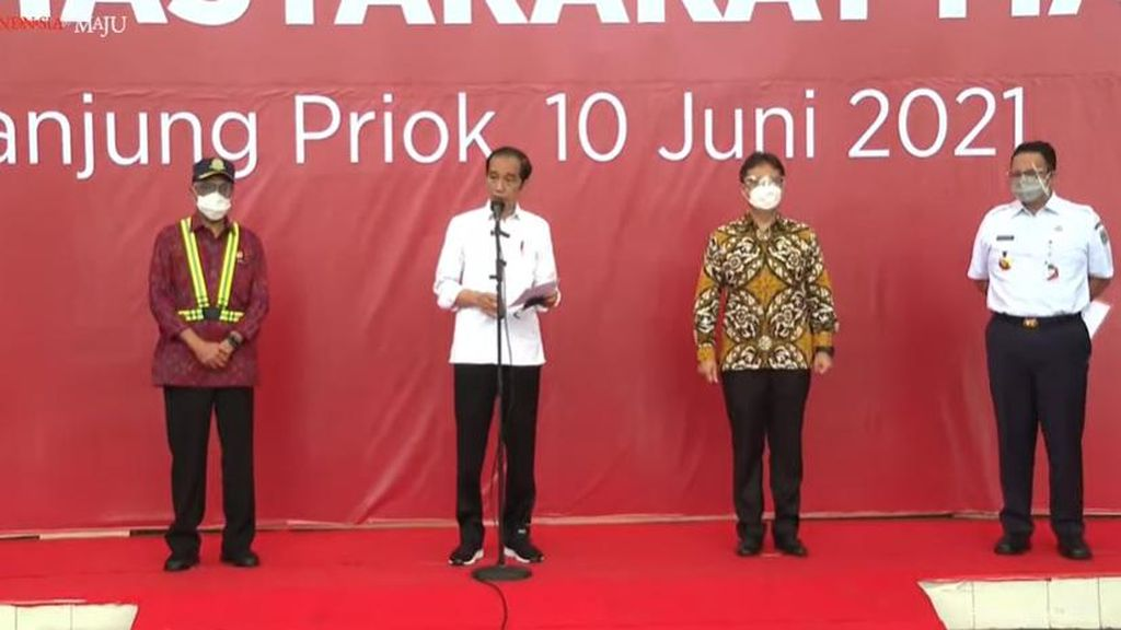 Tinjau Vaksinasi di Tj Priok-Sunda Kelapa, Jokowi: Interaksi di Sini Tinggi