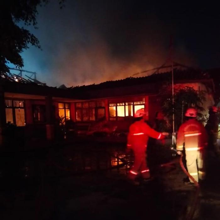 Kantor Desa Bitung Jaya Tangerang Terbakar, Diduga Akibat Korsleting Listrik