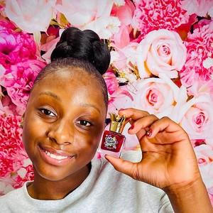 Lumpuh Sejak Lahir dan Jadi Korban Bully, Gadis Ini Sukses Bisnis Kecantikan