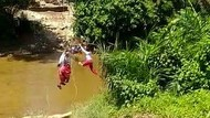 Terungkap Fungsi Asli Keranjang Terbang Dipakai Murid SD Nyeberang Sungai
