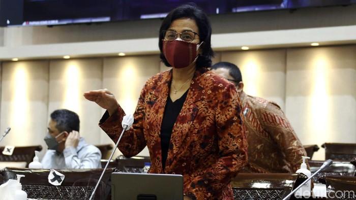 Menteri Keuangan Sri Mulyani Indrawati hadir dalam rapat kerja bersama Komisi XI DPR RI. Rapat itu membahas pagu indikatif Kementerian Keuangan dalam RAPBN 2022