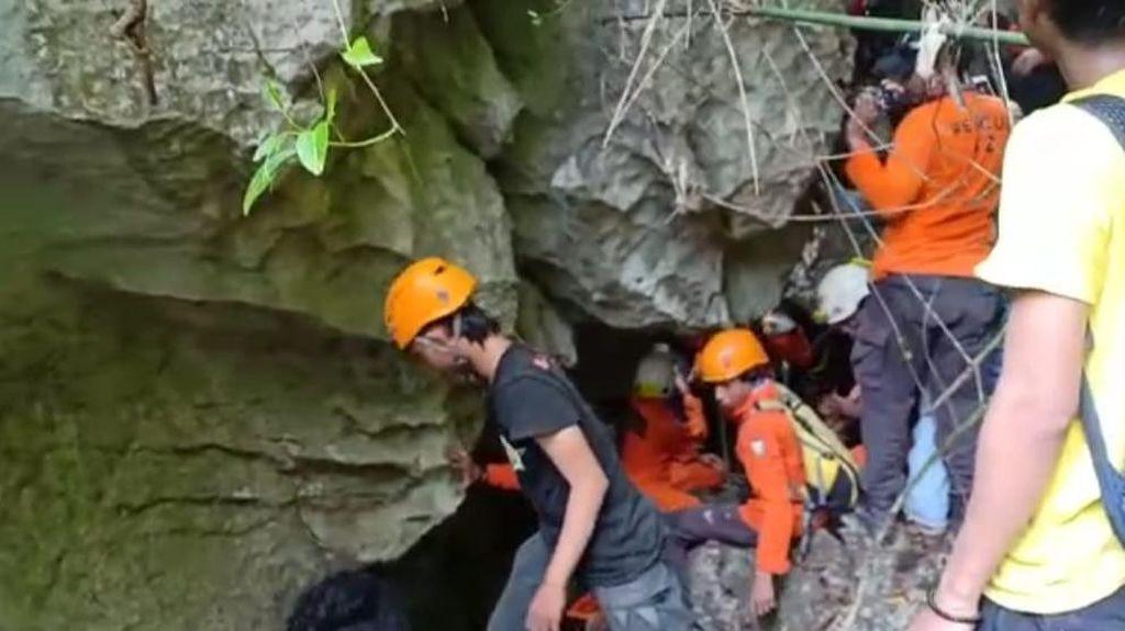 Tantangan Tim SAR 3 Hari Cari Eva di Gunung Abbo: Terjal-Berbatu Runcing