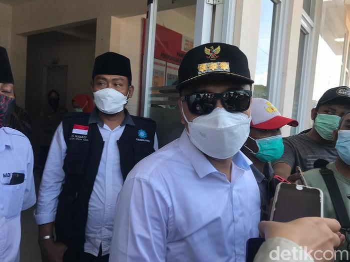 Sebanyak 13.735 pengendara motor dan mobil menjalani swab antigen dalam penyekatan di Suramadu sisi Surabaya. Ada 120 orang yang positif COVID-19 setelah swab PCR.