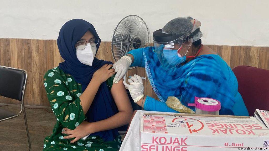 Akibat Salah Paham, Komunitas Muslim India Ragukan Vaksin COVID-19