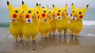 Aksi Demo Pikachu Menentang Pembakaran Batu Bara