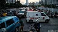 Viral Ambulans Tertahan Iringan Mobil Pejabat di Jakut