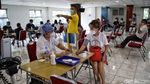 Antusiasme Warga Kelapa Gading saat Vaksinasi