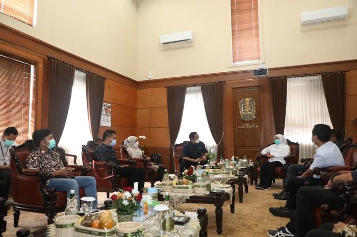 Asosiasi Media Siber Indonesia (AMSI) Jawa Timur menggelar Rapat Kerja Wilayah (Rakerwil) Tahun 2021 dan sejumlah seminar.