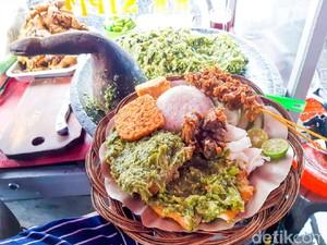 Ayam Cabe Ijo Aa Sipit: Ayam Penyet Viral Sehari Habis 1.000 Potong Ayam dan 50 Kg Rawit Hijau