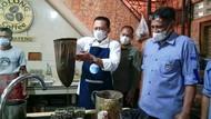 Jajal Jadi Barista, Bamsoet Suguhkan Kopi Saring Aceh
