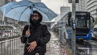 Waspada Potensi Hujan Disertai Angin Kencang di Jaksel-Jaktim Hari Ini