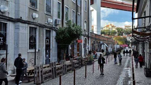 Rua Rodrigues de Faria, Lisbon, Portugal di posisi kesembilan.