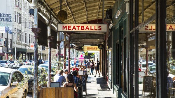 Media global Time Out telah merangkum jalan mana saja yang pantas disematkan kalimat paling keren di dunia.Smith Street, Melbourne, Australia menempati peringkat paling atas.