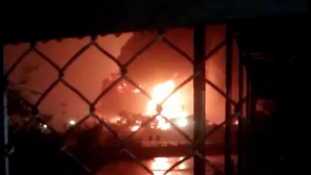Tangki Pertamina Cilacap yang Terbakar Menampung Benzene