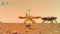 Zhurong, Kendaraan Luar Angkasa China Tinggalkan Jejak di Mars