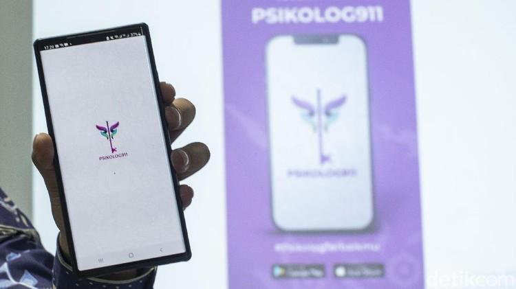 Adanya pandemi COVID-19 turut menambah masalah pada kesehatan mental masyarakat yang ingin berkonsultasi dengan psikolog kini dapat menggunakan aplikasisalah satunya Psikolog 911.