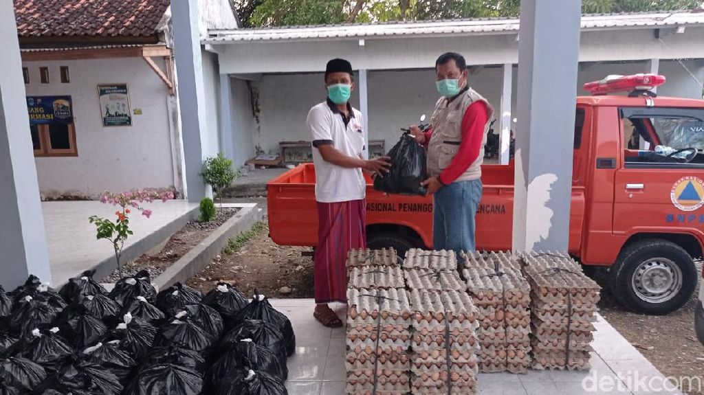 Bantuan Pangan Kembali Digelontorkan untuk Warga Klaster Hajatan di Lamongan