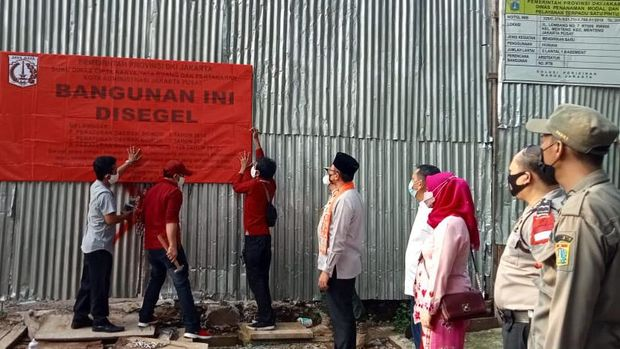 Langgar Aturan, Hunian Mewah di Jl Lembang Menteng Disegel!