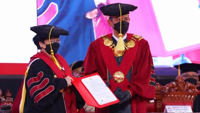 Megawati Soekarnoputri dikukuhan gelar profesor kehormatan
