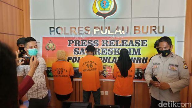 Pemalsuan hasil rapid tes COVID-19 untuk calon penumpang kapal dan pesawat di Pulau Buru, Maluku dibongkar polisi (Muslimin Abbas/detikcom)