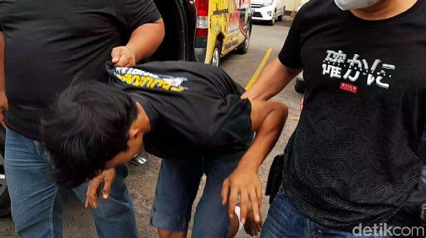 Polisi menangkap pembunuh driver ojol yang mayat korban ditemukan hangus terbakar di Brebes, Jumat (11/6/2021).