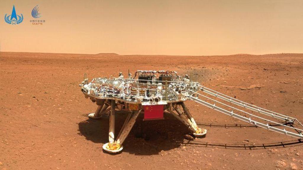 Rover Zhurong dari China Lalui 100 Hari di Planet Mars