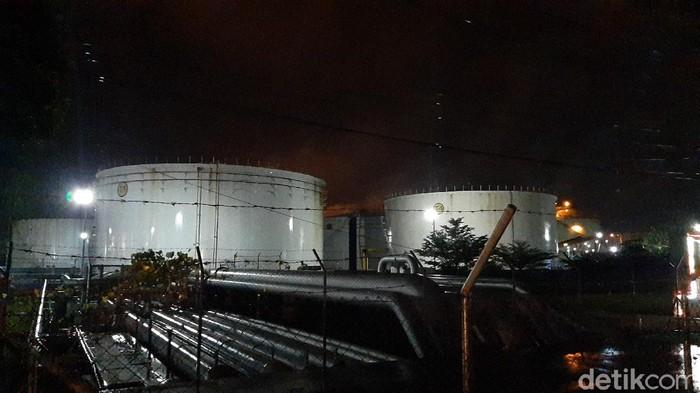 Area kilang Pertamina Cilacap yang kebakaran Jumat (11/6/2021)
