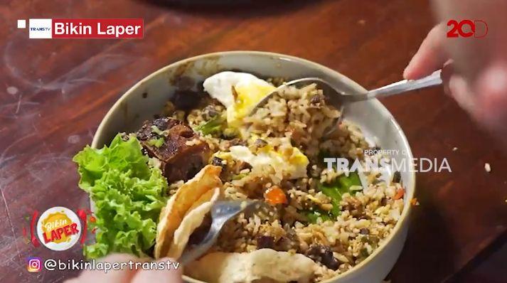 Bikin Laper! Dimas Beck Makan Nasi Goreng Buntut yang Komplet Mantap