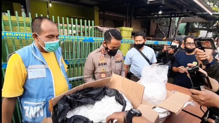 BNN dan polisi gerebek pabrik rumahan di tasikmalaya