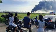 Tangki Pertamina Cilacap Terbakar, Warga Keluhkan Air Sumur Menghitam