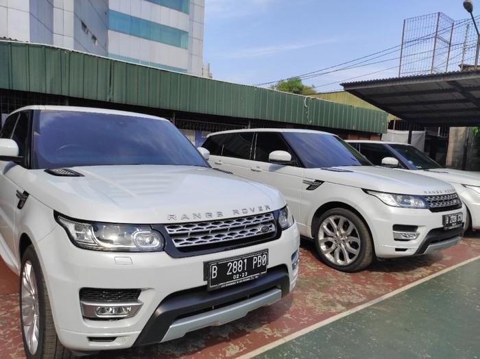 Mobil barang sitaan kasus ASABRI dipamerkan ke publik jelang lelang