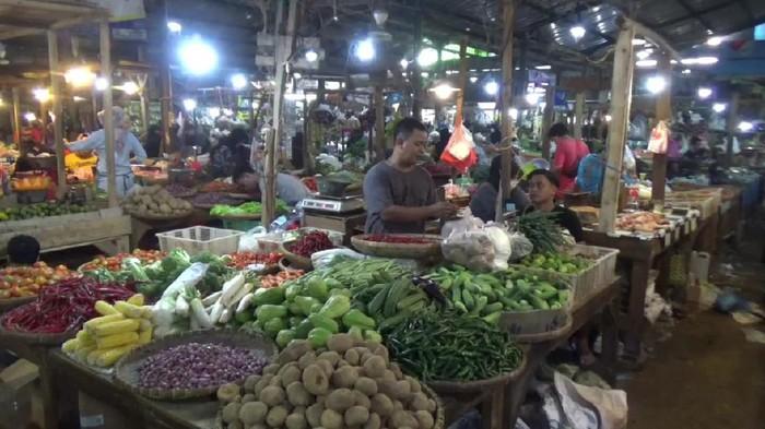 Pedagang pasar di Purwakarta