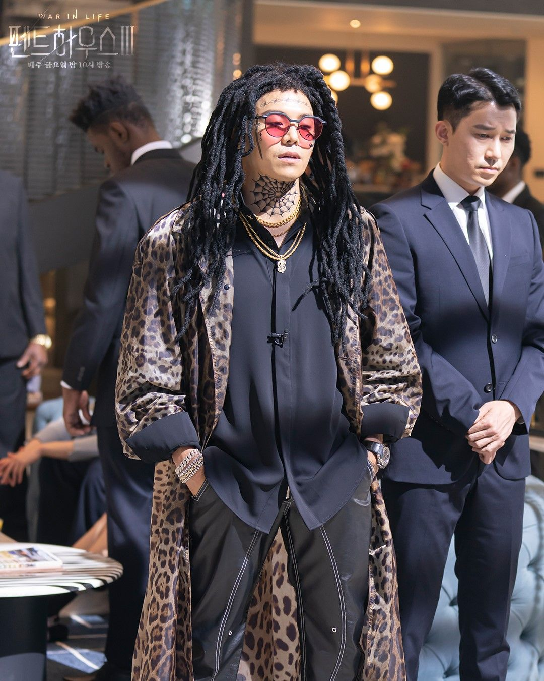 Penampilan Logan Lee di The Penthouse 3