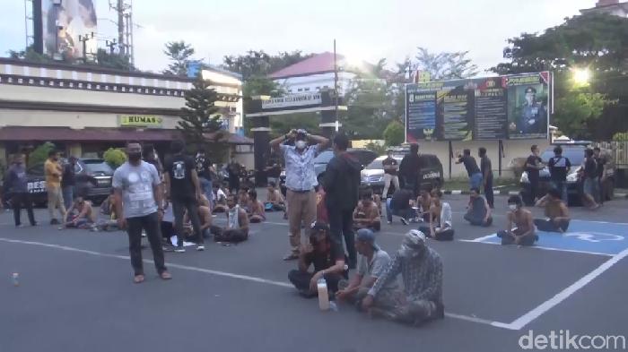 Polisi tangkap seratus preman di Makassar, Sulsel.