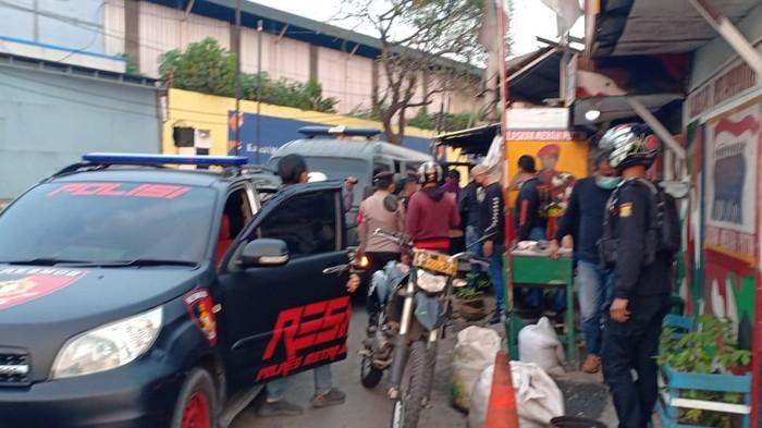 Polres Jakbar tangkap puluhan preman pelaku pungli di Cengkareng dan Kalideres