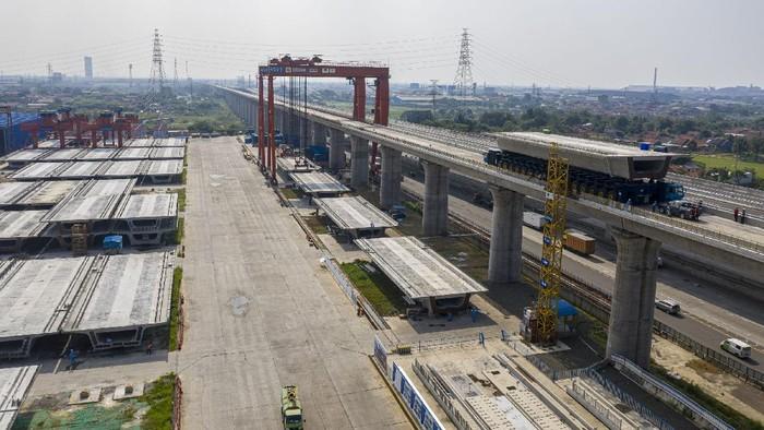 Progres pembangunan proyek kereta cepat Jakarta-Bandung sampai minggu pertama Juni 2021 telah mencapai 74,5%. Sejauh ini, proses pemasangan Box Girder proyek tersebut dari Casting Yard 1 arah Bandung telah berhasil dirampungkan di akhir bulan Mei lalu.