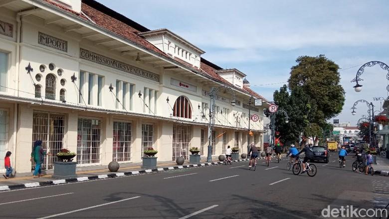Sabtu Pagi di Jalan Asia Afrika Bandung