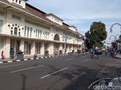 Sensasi Berkeliling di Jalan Asia-Afrika Bandung